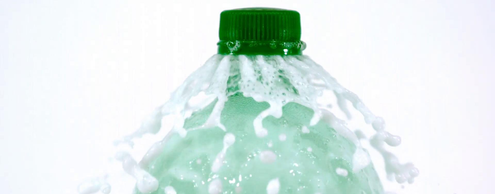 آبمیوه تتراپک و آب معدنی